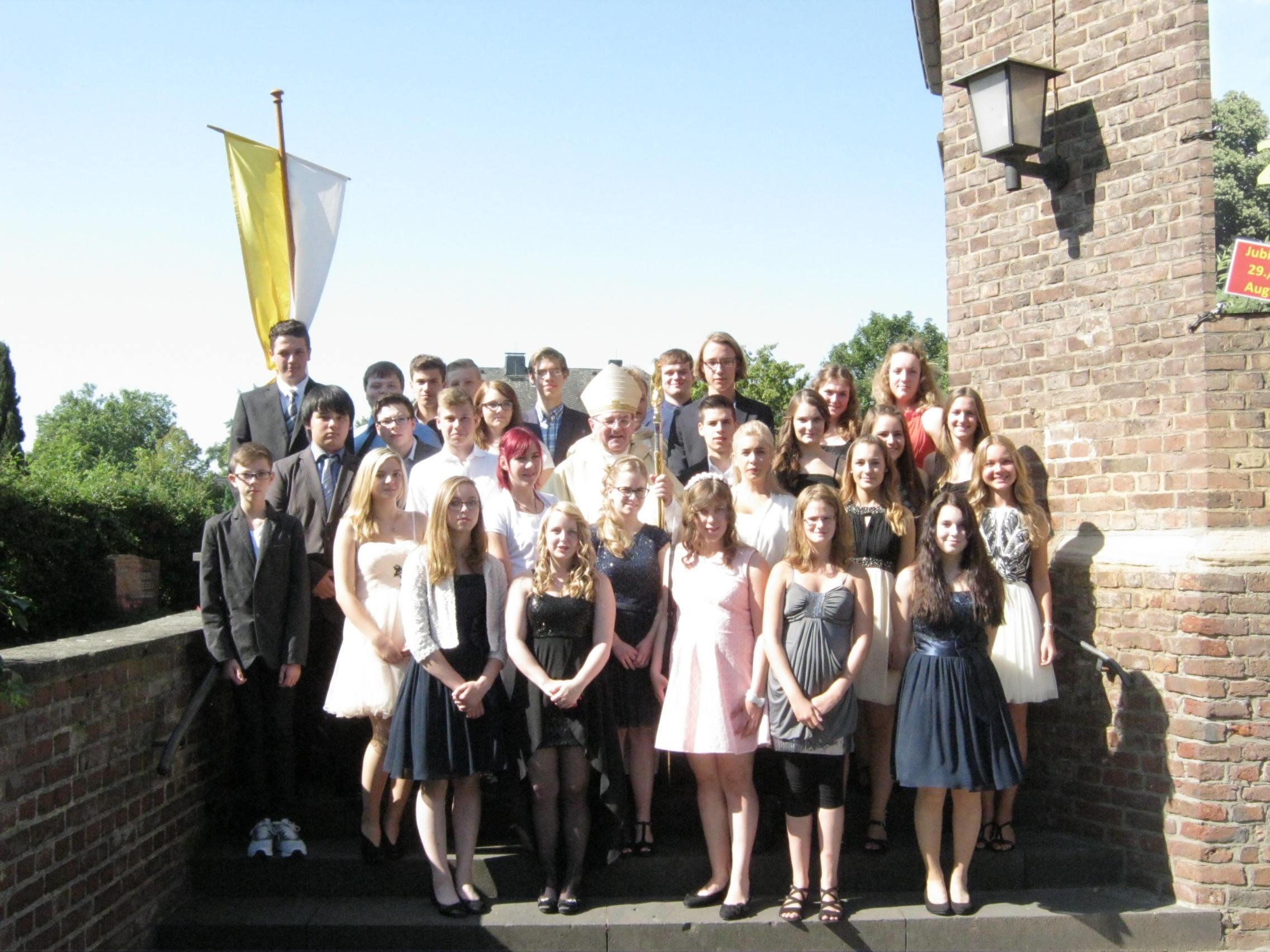 Festliches Hochamt mit Firmung zum 850-jährigen Kirchenjubiläum – Bischof Dr. Heinrich Mussinghoff zu Gast an St. Cäcilia
