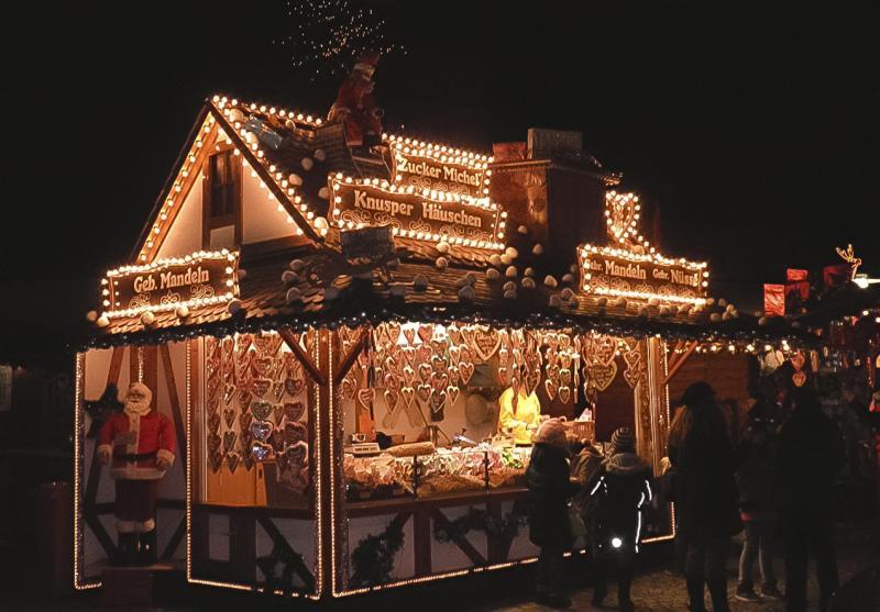 """St. Matthias Bruderschaft besuchte den """"Weihnachtsmarkt der Nationen"""" in Rüdesheim"""